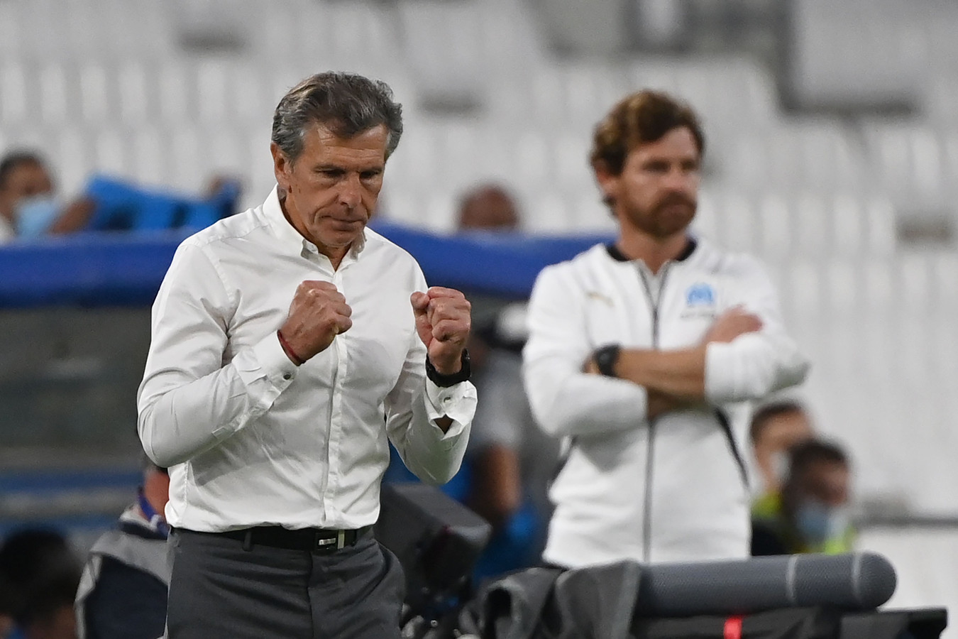 Claude Puel viert de zege op Olympique Marseille.