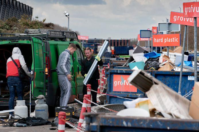 Afvalstoffendienst op Treurenburg
