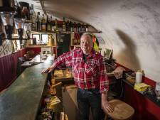 Verlangen naar  gezellige avonden in De Bikkerbar in Tilligte waar de problemen des levens worden besproken
