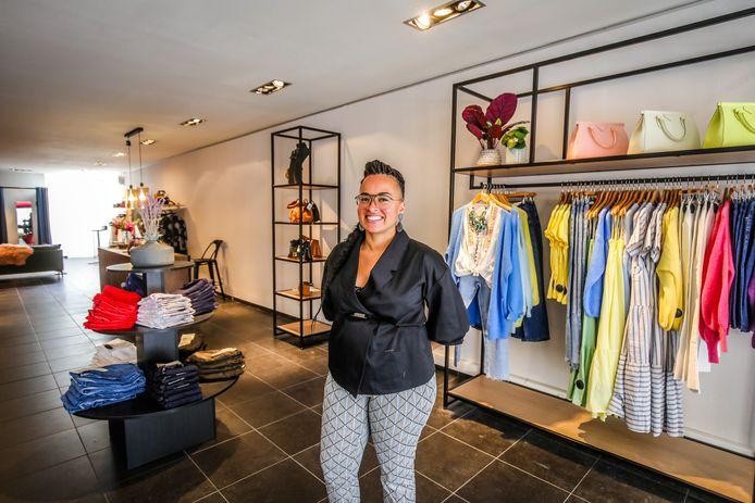 Andrea's Fashion in Blankenberge wordt uitgebaat door Larisa Vandenheede.
