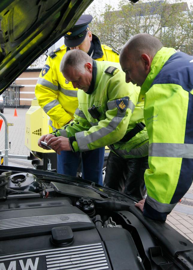 Foto ter illustratie. De politie ontdekte een omgekatte Ford Focus in Zwolle en volgens de rechtbank heeft Idris M. daar meer mee te maken.