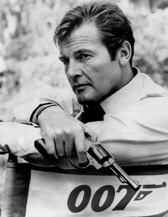 Zijn ironische oogopslag maakte Moore geliefd als 007.
