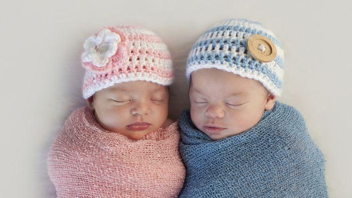 Liam en Emma waren vorig jaar de populairste namen.