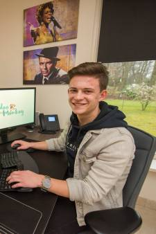 Jonge ondernemer Melvin Dirks (16) uit Hapert is liever eigen baas dan vakkenvuller