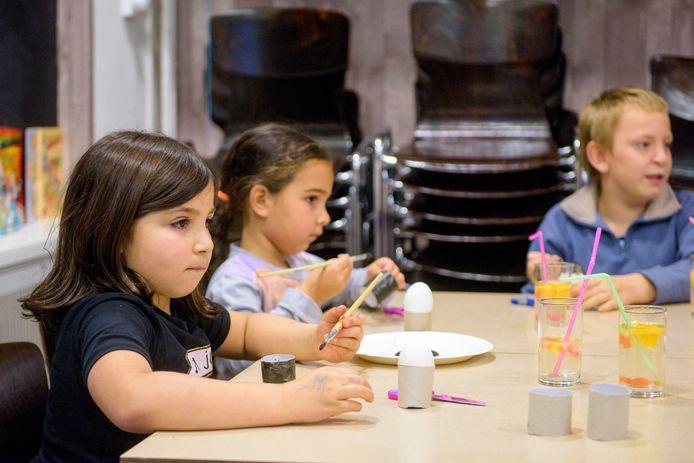 Kinderactiviteiten in nieuw onderkomen van de Stichting Goodwill Sociaal, die nu verder gaat onder de naam Stichting Sociaal Solidair.