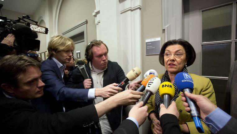 Tweede Kamervoorzitter Gerdi Verbeet praat met de pers na overleg met de fractievoorzitters over de val van het kabinet. Beeld ANP