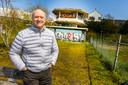 """Nico Nelissen, ere-voorzitter van de Architectuurvereniging Nijmegen, ziet in de Spoorkuil een ideale locatie voor studentenwoningen. ,,We willen ruimte geven aan alle mogelijke opvattingen om een zo uitgebreid mogelijke catalogus te krijgen van vernieuwende ideeën."""""""