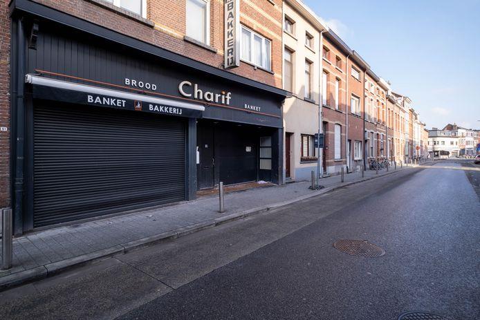 MECHELEN - Bakkerij Charif werd door de politie verzegeld