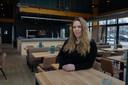 Angela Verbaarschot (30) in haar nieuwe restaurant in de blikvanger van De Deel in Emmeloord.