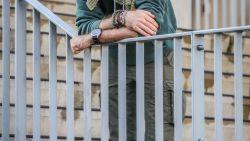 Een nieuw vliegtuig, een babychimpansee gered van stropers: 'Flying Doctor' Anthony Caere over zijn 'machtige leven' in Afrika