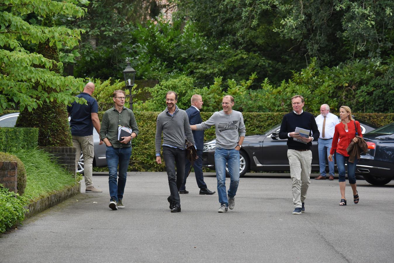 Van links naar rechts: Sander Dekker, Eric Wiebes, Menno Snel, Bruno Bruins en Stientje van Veldhoven.