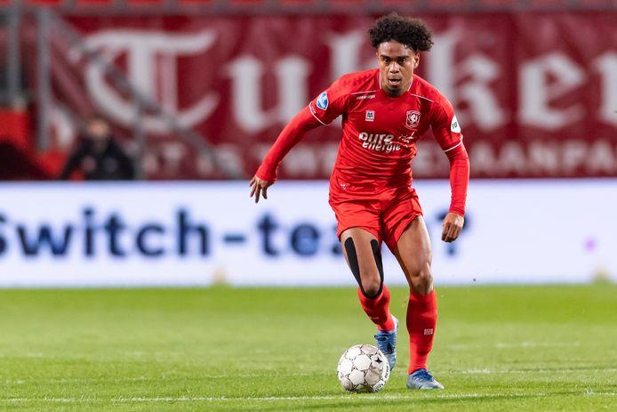 FC Twente-middenvelder Godfried Roemeratoe.