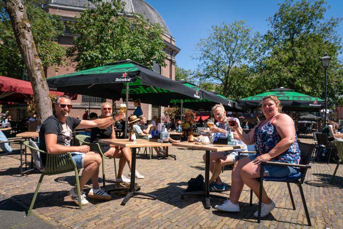 Het ondernemersloket bewees in coronatijd onder meer zijn diensten bij het snel regelen van meer ruimte voor terrassen van Arnhemse horeca-ondernemers. Vanwege zijn snelheid blijft het loket geopend voor ondernemers die een vlot steuntje in de rug kunnen gebruiken om in deze tijd te overleven.
