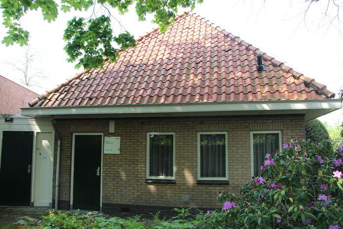 De KPN-telefooncentrale achter het Hendrik Odinkplein op het adres Simmelinkstraat 2.