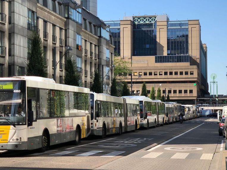 De bussen trachten tevergeefs het Brusselse Noordstation te verlaten.