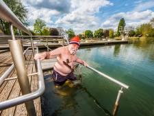 Tuindorpbad in Hengelo opent in lage temperatuur: 'Uit het water met kleine plasser'