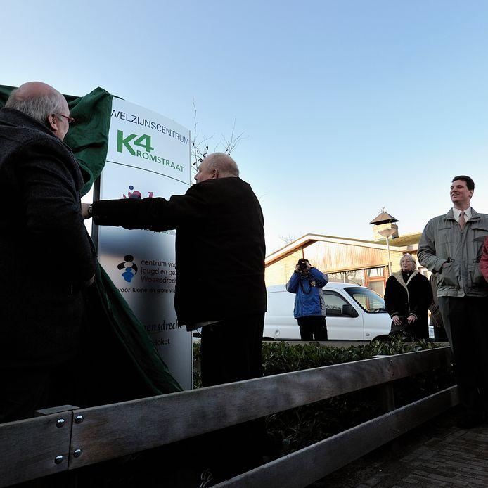 In 2011 opende toenmalig wethouder Vic Huijgens van Woensdrecht het Pand K4 aan de Kromstraat in Hoogerheide, waar alle welzijnsinstellingen toen onder één dak zaten. Nu die in het gemeentehuis zitten, wordt K4 gesloopt voor woningbouw.