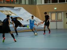 Zaalvoetballers van ZVV Ede blijven foutloos; Joubid en Hazzat scoren twee keer