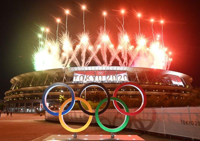 De Olympische Spelen werden ondanks de coronamaatregelen feestelijk afgesloten.