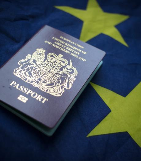 Hoe de brexit ook mét deal levens in de war schopt: 'Ik ben straks mijn paspoort kwijt'