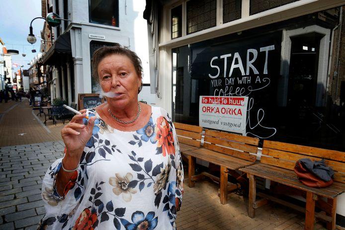 Tanja van der Ploeg, voorzitter van de landelijke stichting Belangengroepering Tabak Mag, wil in Gorinchem een rookcafé openen.