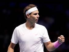 Nadal renverse Tsitsipas et garde une chance de se qualifier pour les demi-finales
