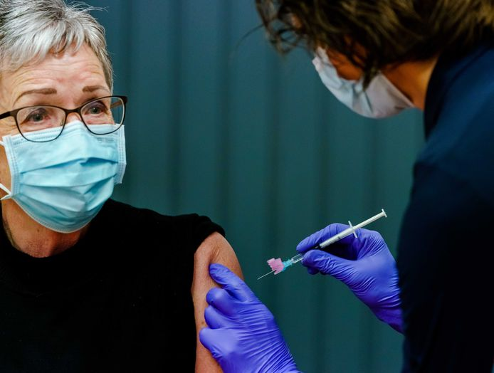 In Zeeland werd afgelopen week begonnen met het inenten van onder meer 60- tot 64-jarigen met het AstraZeneca-vaccin.