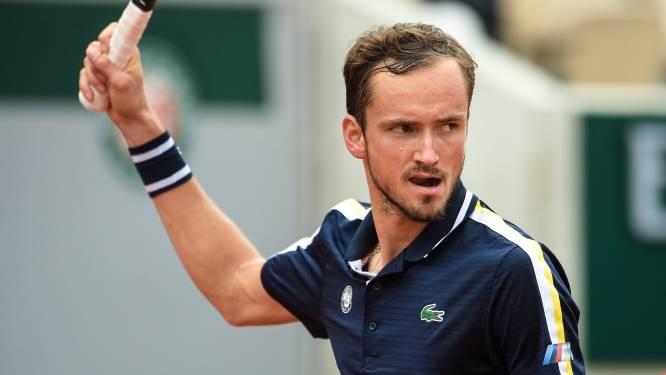 ROLAND GARROS. Serena Williams wint Amerikaans onderonsje - Medvedev op een drafje naar achtste finales