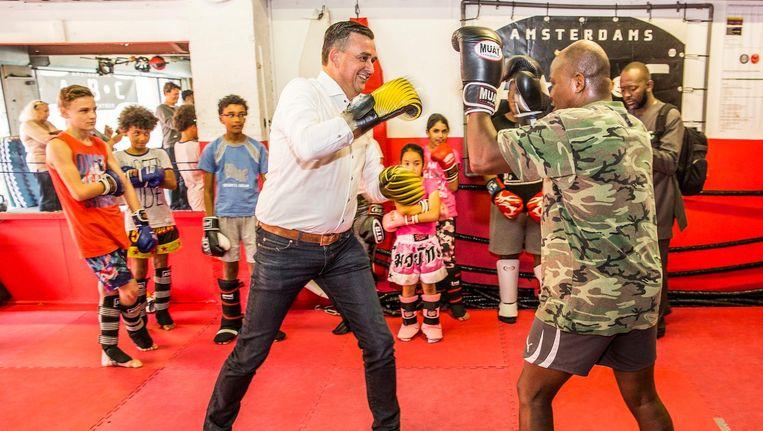 In de boks-school van Raymond Joval was Roemer in oktober al op campagne Beeld Amaury Miller