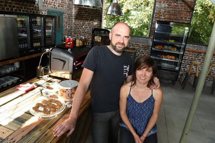 Ellen Vandenbogaerde en Steven Byttebier zijn de uitbaters van de nieuwe koffiebar El Dorado.