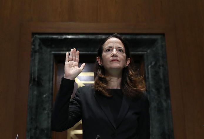 Avril Haines wordt ingezworen door de Amerikaanse Senaat.