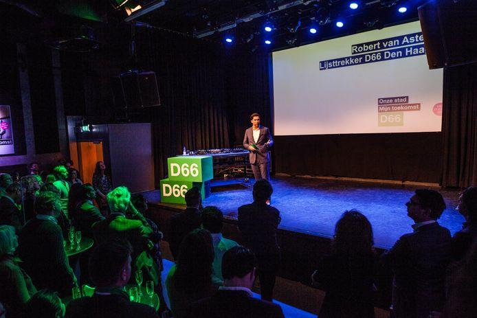 D66-lijsttrekker Robert van Asten op het podium van het Paard.