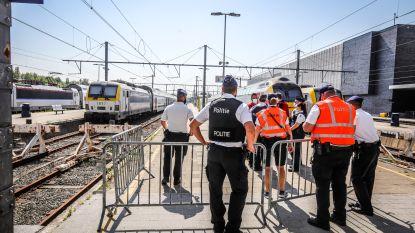 """Kustburgemeesters misnoegd: """"Wat moet ik doen, die treinen tegenhouden met mijn eigen handen?"""""""