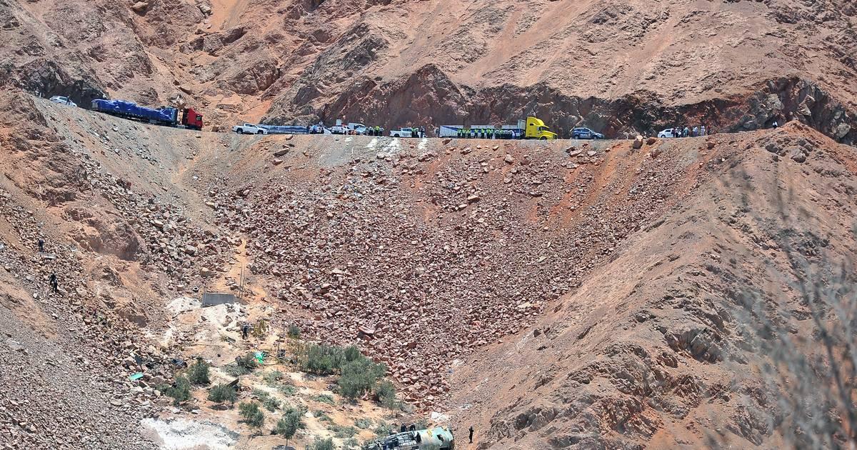 Zeker 27 mijnwerkers omgekomen bij busongeluk in Peru.