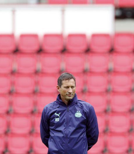Schmidt vlast op een zinderende zomertoer met PSV en moet nog één belangrijke keuze maken