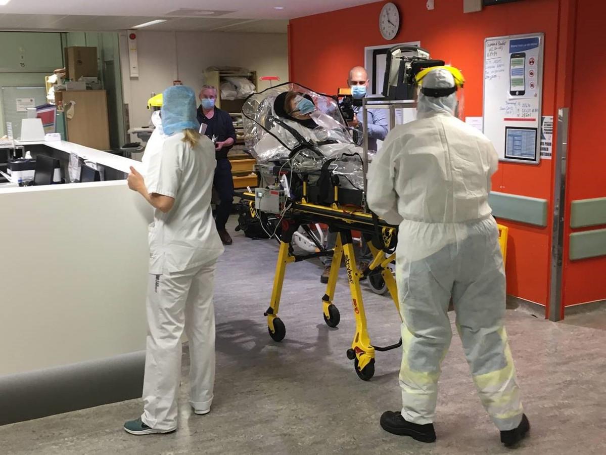 Certains patients ont dû être transférés dans d'autres hôpitaux du pays, et même en Allemagne.