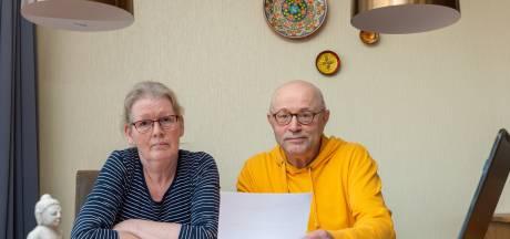 Jo en Irma uit Vaassen verliezen zorgvoordeel van 1450 euro per jaar: 'Kleding dragen we nog langer'
