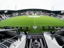 Wedstrijd Go Ahead Eagles - Telstar in het stadion van Heracles