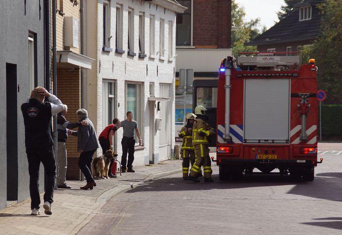 Brandweer in actie bij de keukenbrand.