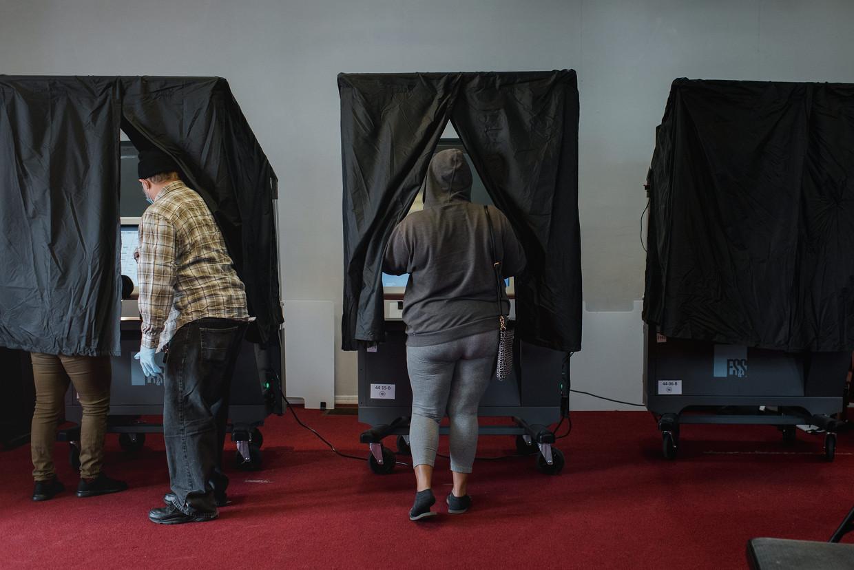 Het stemmen blijkt in Philadelphia rustiger te verlopen dan vooraf gedacht.  Beeld Bloomberg via Getty Images