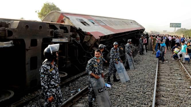 Zeker elf doden en bijna honderd gewonden bij treinongeval in Egypte