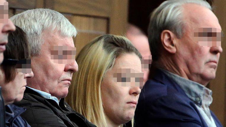 Pierre Serry (links) stond samen met dokter André Gyselbrecht (rechts) terecht voor de moord op Stijn Saelens op 31 januari 2012. Beeld Photo News