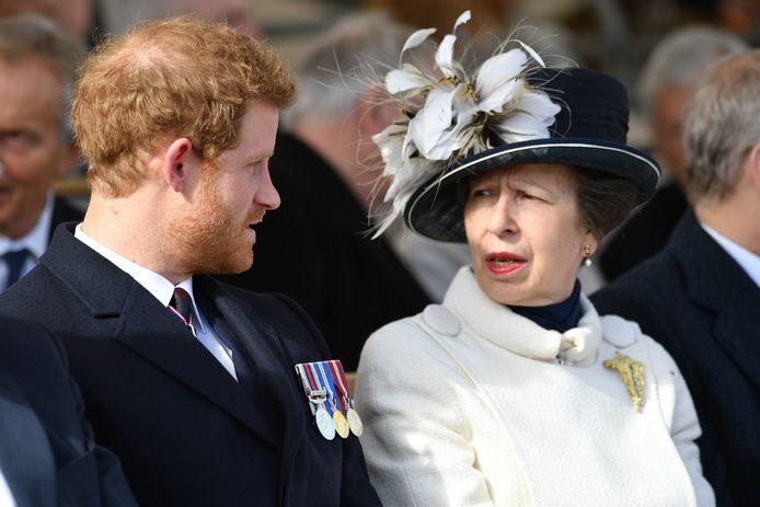 Prins Harry en prinses Anne.
