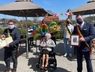 100-jarige Judith in de bloemetjes gezet