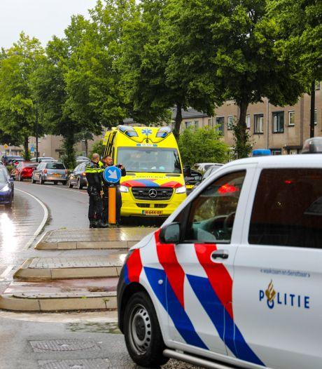 Fietser gewond bij botsing met auto in Apeldoorn