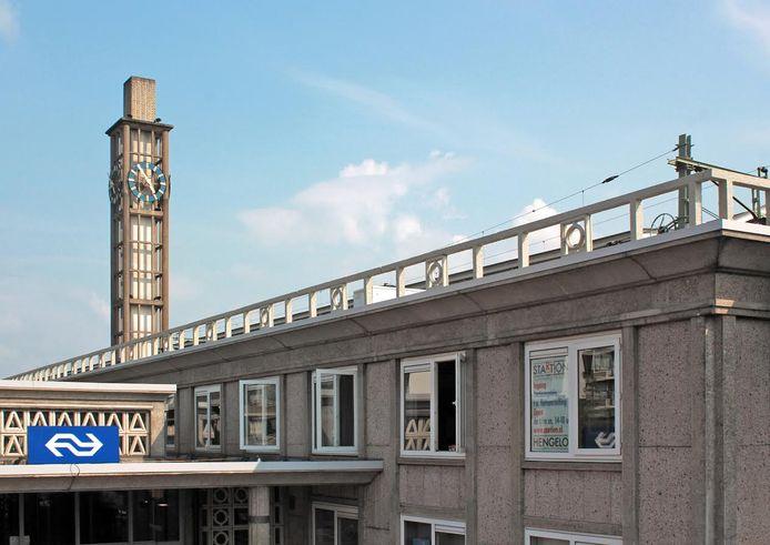In StARTion, op de eerste etage van het Hengelose NS-stationsgebouw, begint zondag een nieuwe tentoonstelling met Duitse kunstenaars.