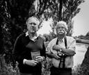 Auteur Bert Paasman (links) en fotograaf Brand Overeem, samenstellers van het boek Het land van de jonker,  op landgoed de Nijenbeek in het Gelderse Voorst.