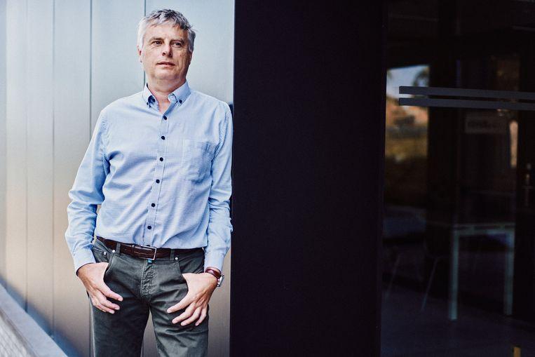 Johan Neyts (KU Leuven): 'We weten dat er nog enkele virusfamilies zijn die we in de gaten moeten houden.' Beeld Thomas Sweertvaegher