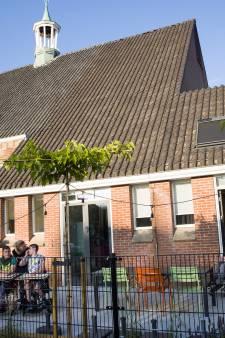 Meervoudig beperkte jongeren voelen zich thuis in verbouwde kerk: 'Pittige stap om je kind los te laten'