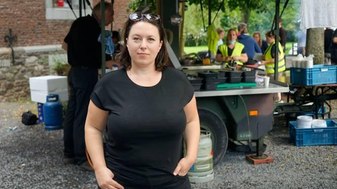 """Oprichtster hulplatform 'aidehulp14-7' trekt met mobiele keuken naar getroffen gebieden: """"De solidariteit is enorm, maar de overheid faalt in haar hulpverlening"""""""